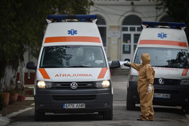 Al doilea deces al unui cadru medical din cauza COVID-19: o asistentă medicală de la Spitalul Militar Brașov
