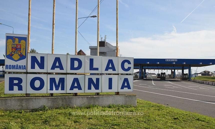 Poliţia de Frontieră: 26.500 de persoane au intrat în ţară în cursul zilei de luni, 19.400 din Ungaria/ La frontiera româno-ungară sunt deschise 11 puncte de trecere a frontierei şi nu se înregistrează timpi mari de aşteptare