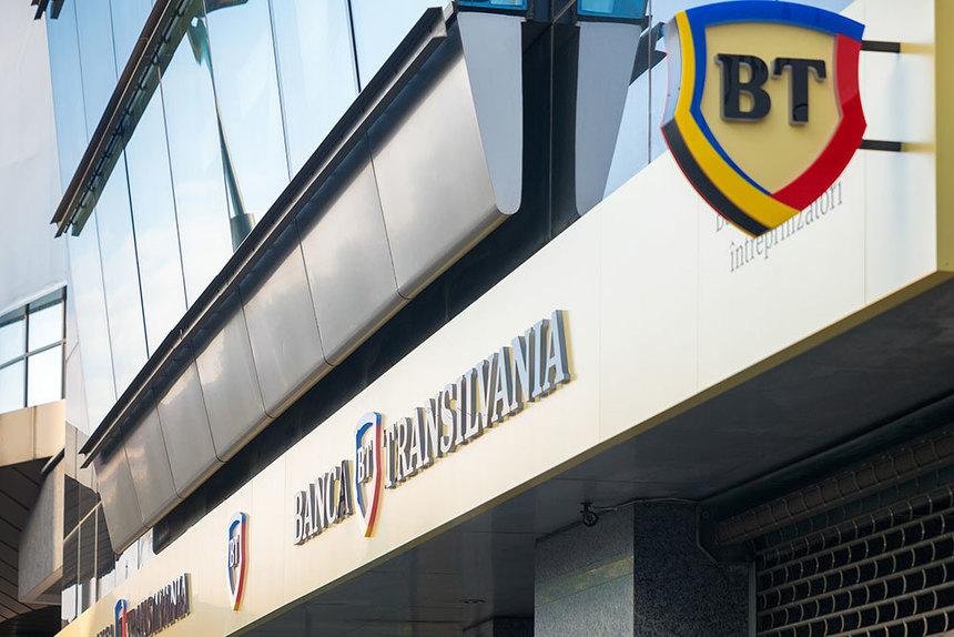 Banca Transilvania a raportat un profit net în scădere cu peste 40% în primul trimestru, de 260,99 milioane lei. Banca şi-a planificat investiţii de 323 milioane lei în acest an