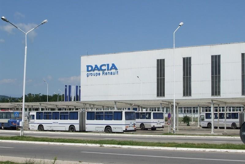 Dacia urmează să reia producţia progresiv începând de marţi, pe bază de voluntariat