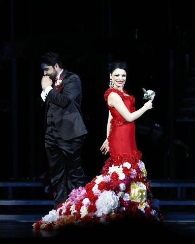 """O premieră deosebită a Operei ieșene – """"Traviata"""" – vizionată astăzi online"""