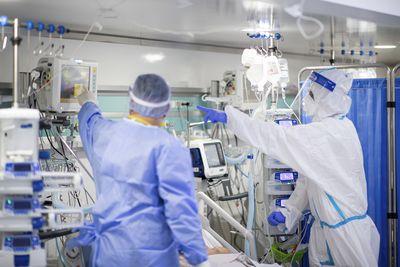 UPDATE - Grupul de Comunicare Strategică: 6.171 de noi cazuri de infectare cu noul coronavirus/ 204 pacienţi decedaţi/ 1.255 de pacienţi la ATI / Cea mai mare rată de infectare este în Bucureşti / Care sunt judeţele cu cele mai multe cazuri noi