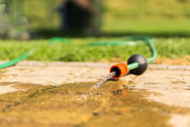 La Botoșani, operatorul de apă cere populaţiei să raţionalizeze consumul