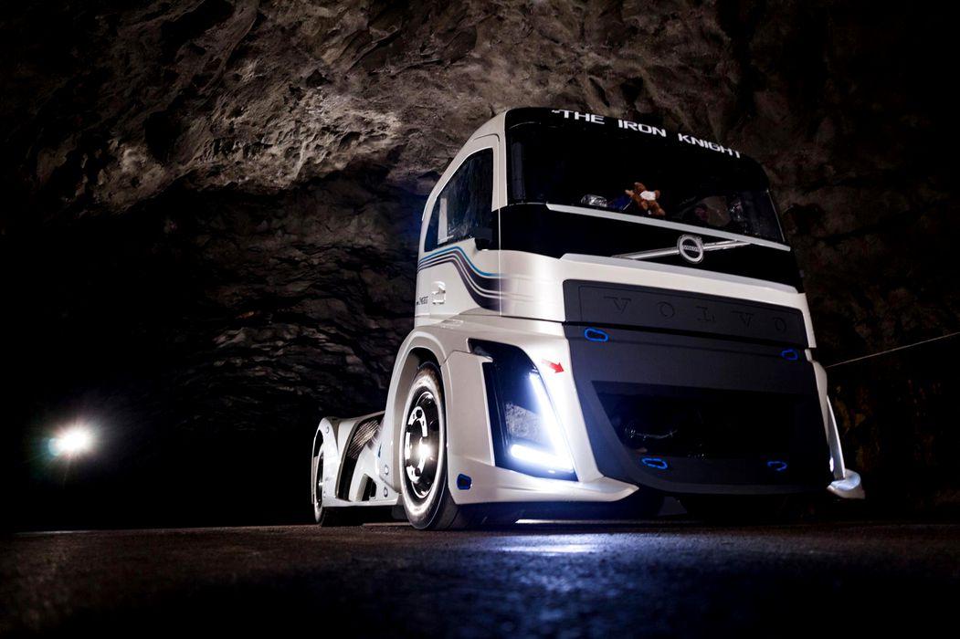 Acesta este cel mai rapid camion din lume. Are viteză de supercar!
