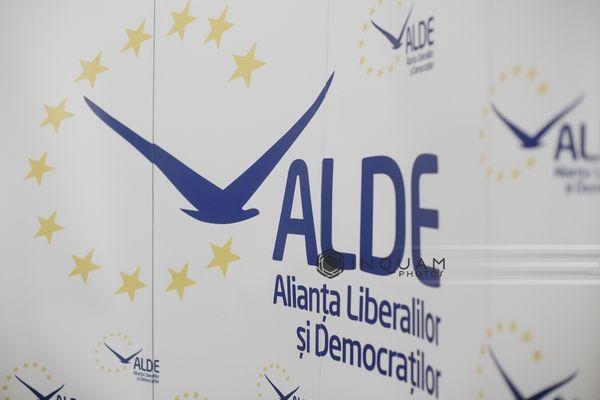 ALDE anunţă că a elaborat împreună cu PSD şi Pro România un proiect de lege care să anuleze în mod automat amenzile aplicate cetăţenilor pe timpul stării de urgenţă