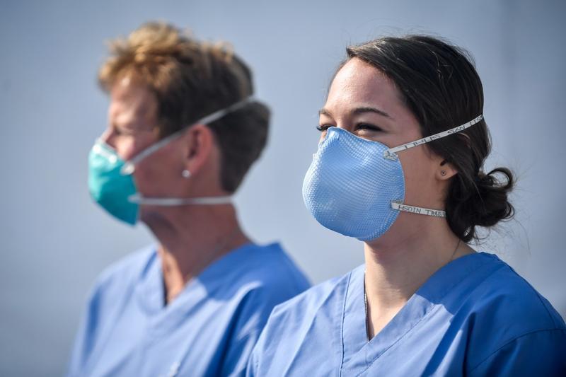 Pierderea mirosului, un simptom legat de coronavirus, în special la tineri